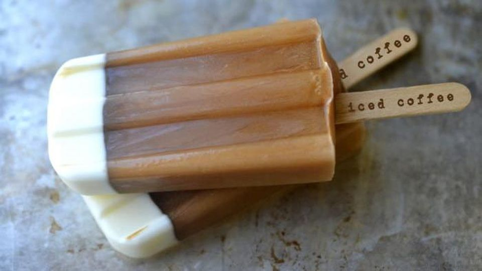 Iced Coffee Popsicles: Leckerer Eiskaffee to go - ganz ohne Becher