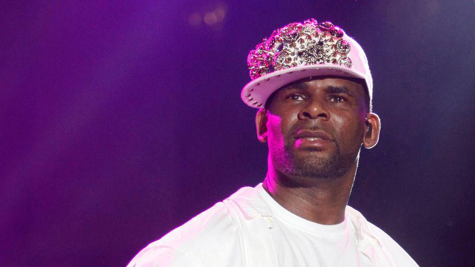 R. Kelly kann künftig nicht mehr auf seine Plattenfirma zählen.