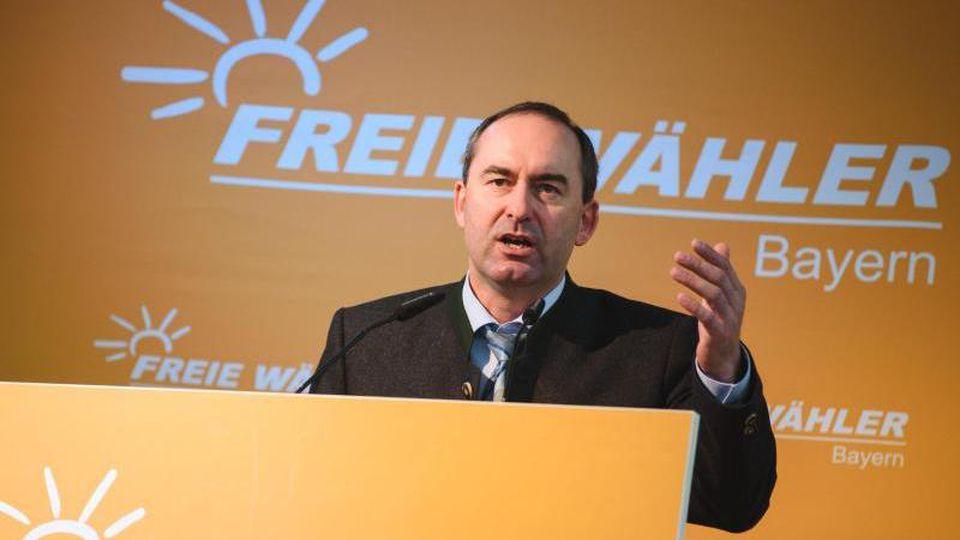 Der Bundesvorsitzender der Freien Wähler, Hubert Aiwanger, hält eine Rede. Foto: Nicolas Armer/dpa/Archivbild