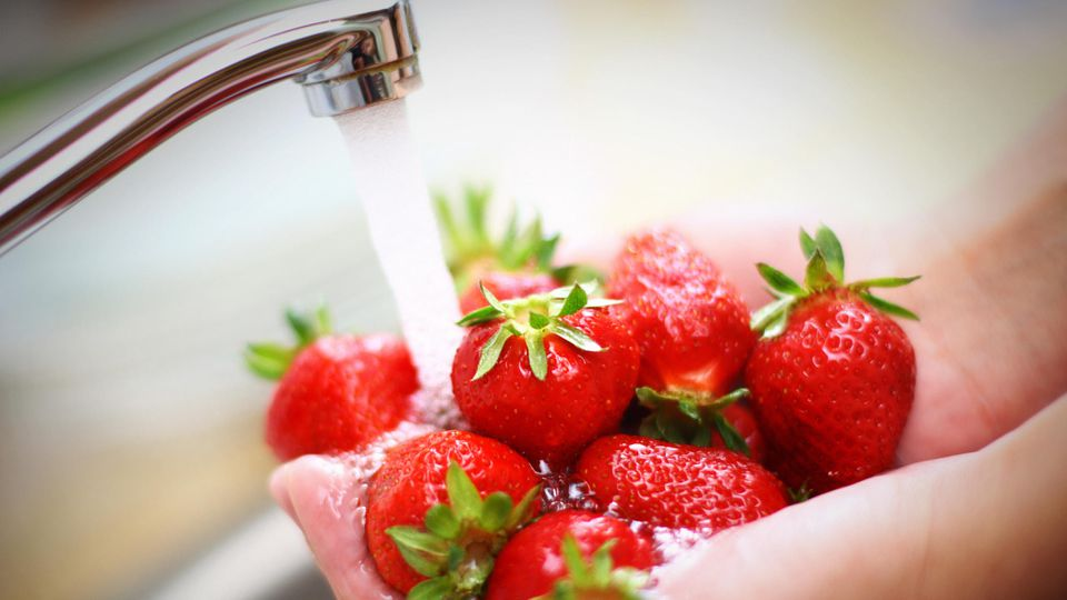 Vermeiden Sie diese Fehler beim Erdbeerwaschen