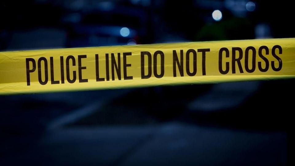 Ein Säugling wurde von einer Kugel im Unterleib getroffen und starb (Symbolbild).,