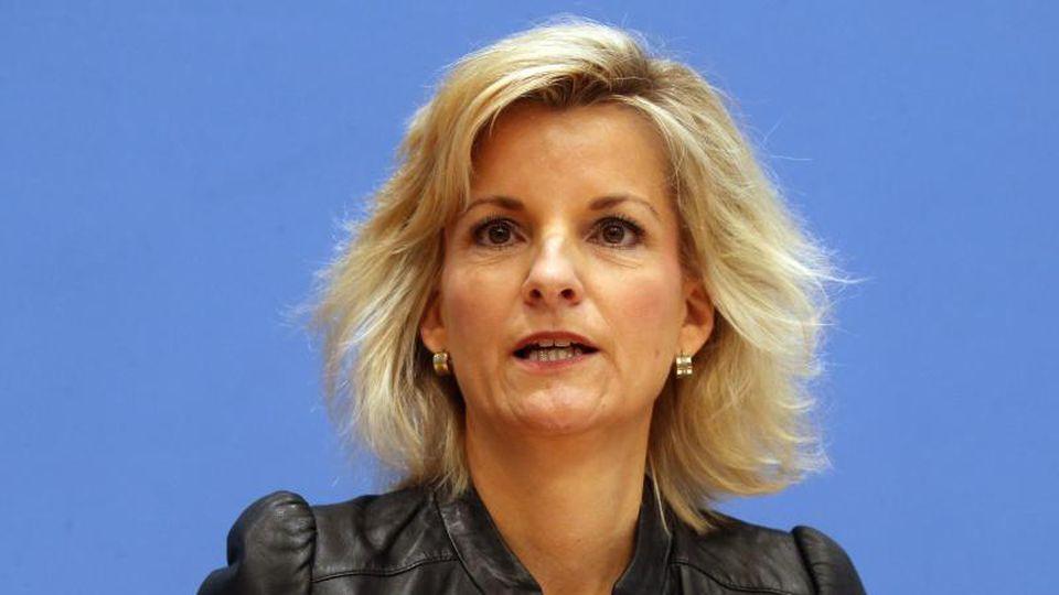 Daniela Ludwig, Drogenbeauftragte der Bundesregierung, spricht. Foto: Wolfgang Kumm/dpa
