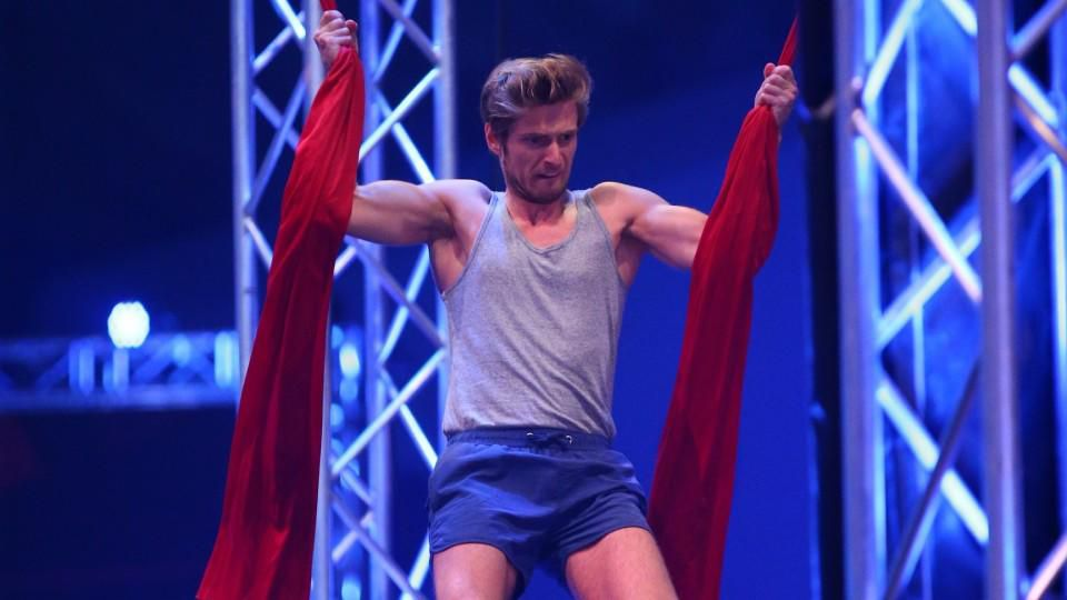 "GZSZ-Star Jörn Schlönvoigt bei ""Ninja Warrior Germany"""