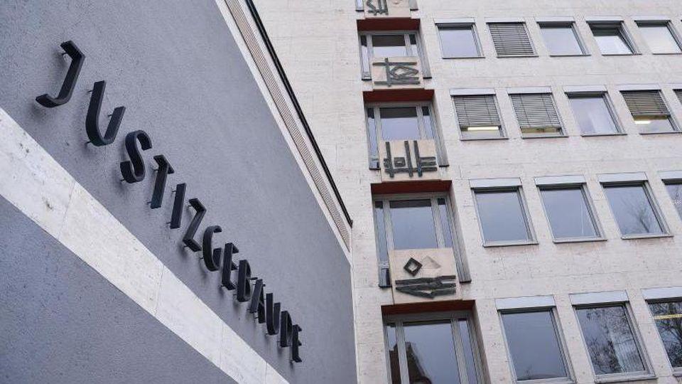 Das Justizgebäude in Aschaffenburg (Bayern), in dem sich das Landgericht befindet. Foto: picture alliance / dpa/Archivbild