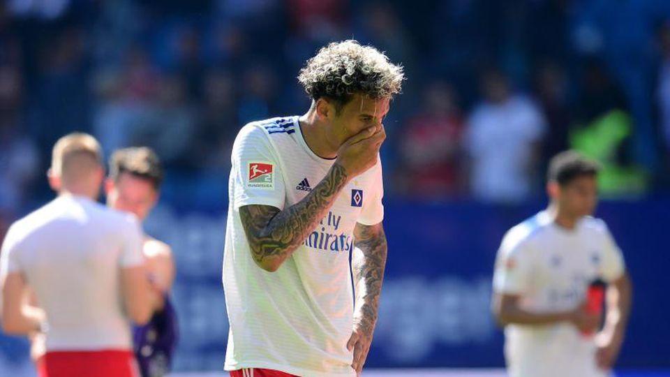 Der Hamburger SV wartet seit sechs Pflichtspielen auf einen Sieg. Foto: Daniel Bockwoldt