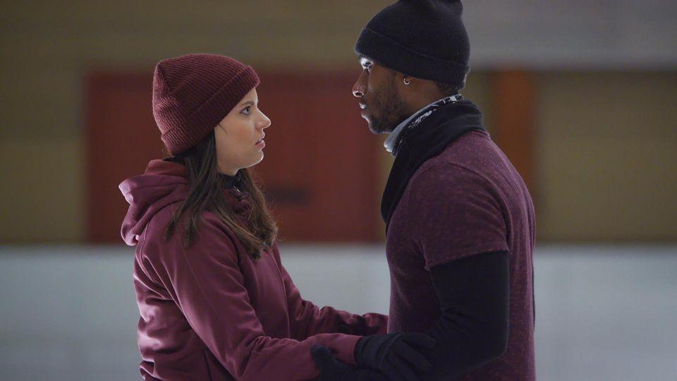 AWZ: Michelle trainiert mit Mo auf dem Eis.
