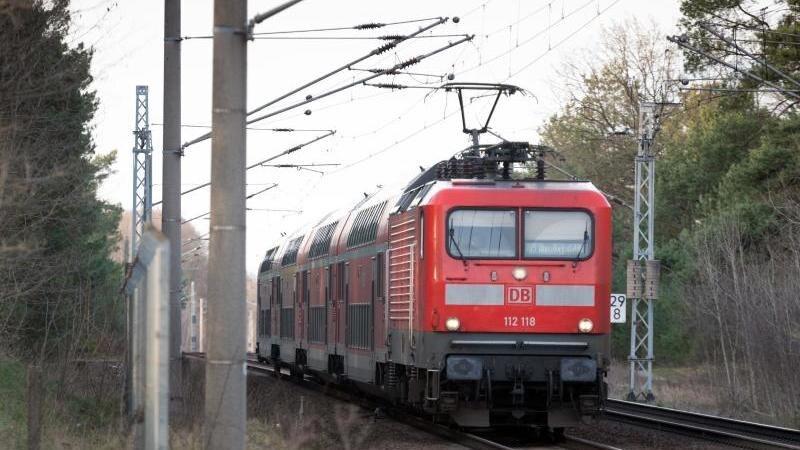 Ein Zug der Deutschen Bahn. Foto: Soeren Stache/dpa-Zentralbild/ZB/Archivbild