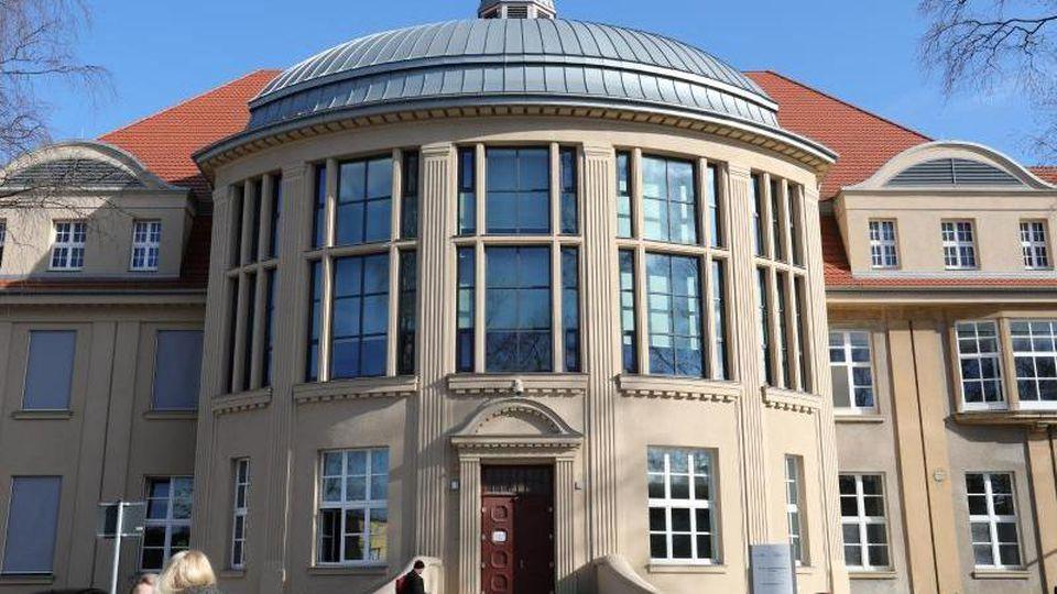 Die Alte Chirurgie der Universitätsmedizin Rostock. Foto: Bernd Wüstneck/Archivbild