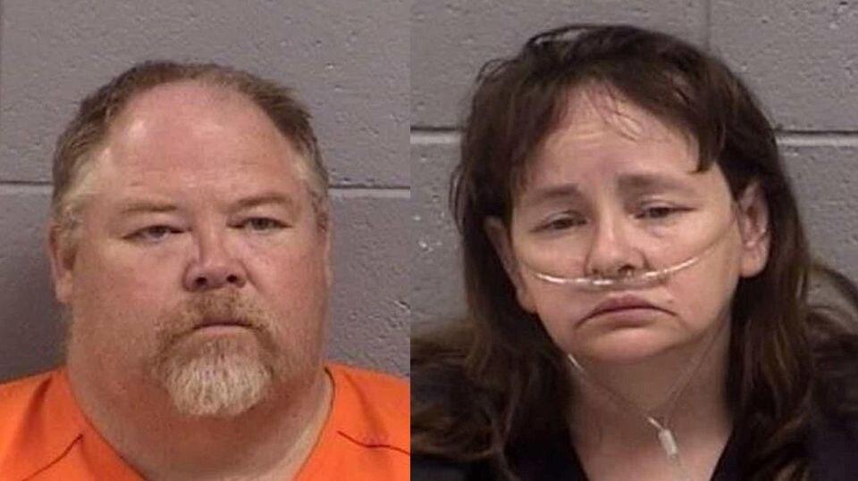 Martha an Timothy Crouch wurden festgenommen, weil sie ihre Kinder schwer misshandelt haben sollen.