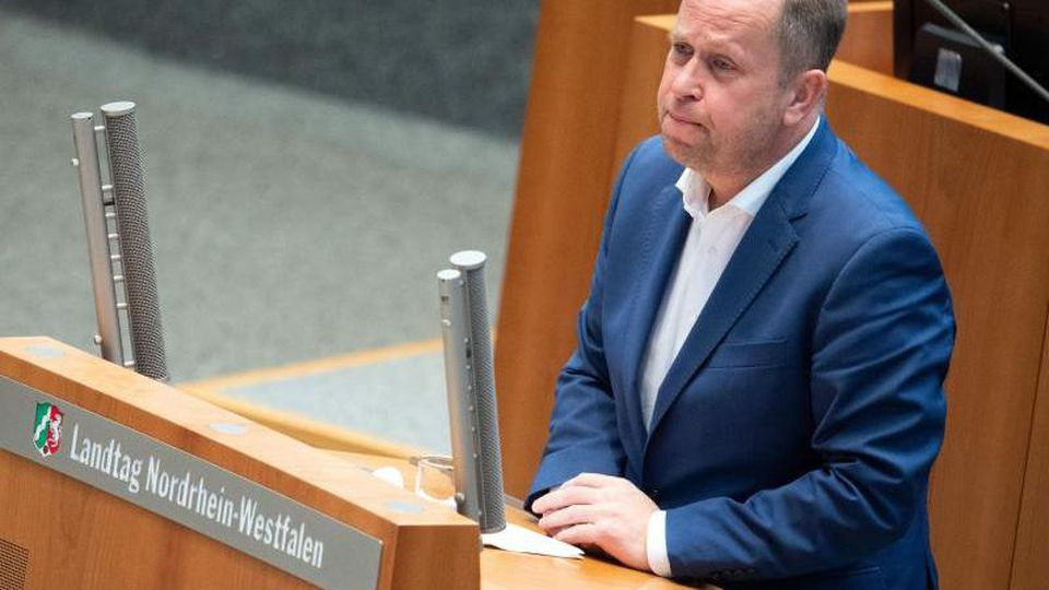 Joachim Stamp (FDP), stellvertretender Ministerpräsident von Nordrhein-Westfalen. Foto: Federico Gambarini/dpa/Archivbild