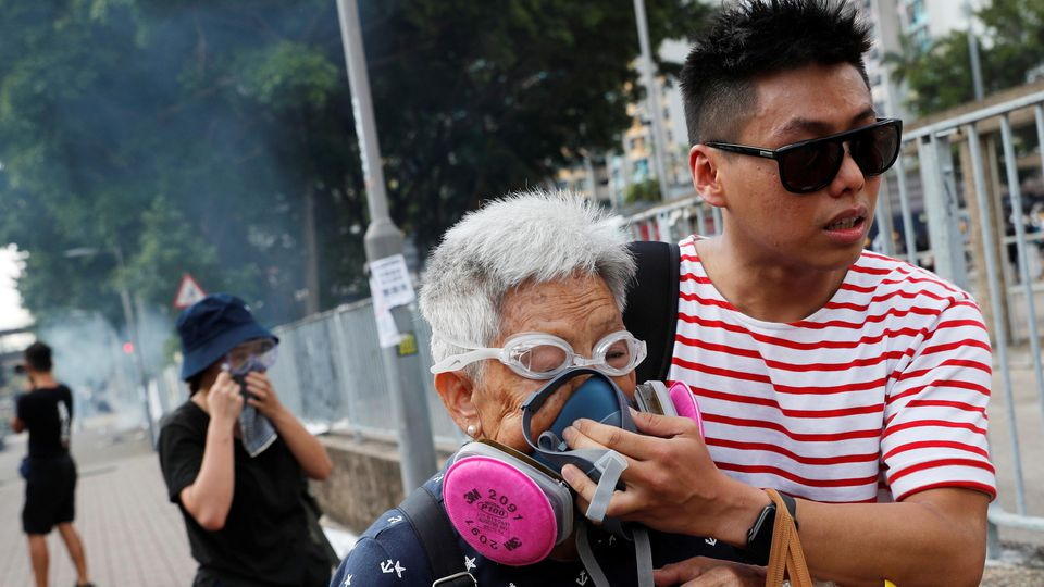 Die Polizei setzte Tränengas zur Zerschlagung der Demonstrationen ein.