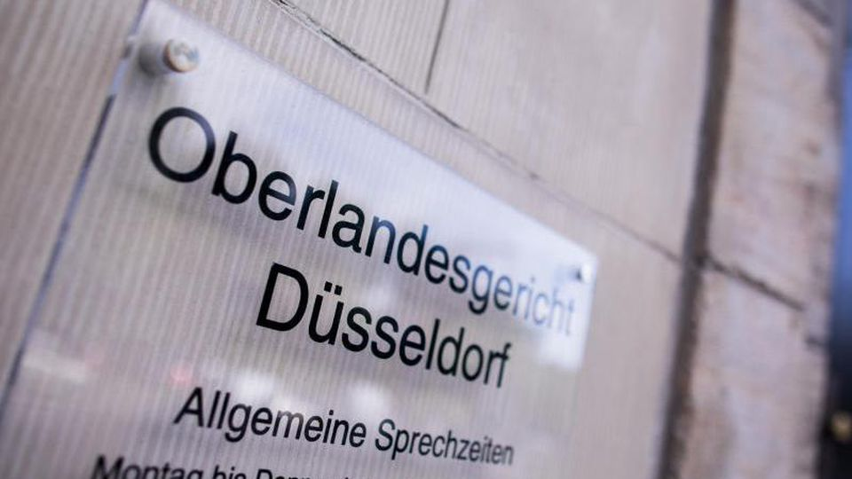 Blick auf den Eingang zum Oberlandesgericht. Foto: Rolf Vennenbernd/dpa