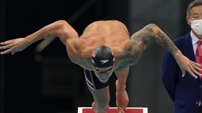 US-Star Caeleb Dressel siegte in Tokio auch über 50 Meter Freistil. Foto: Gregory Bull/AP/dpa
