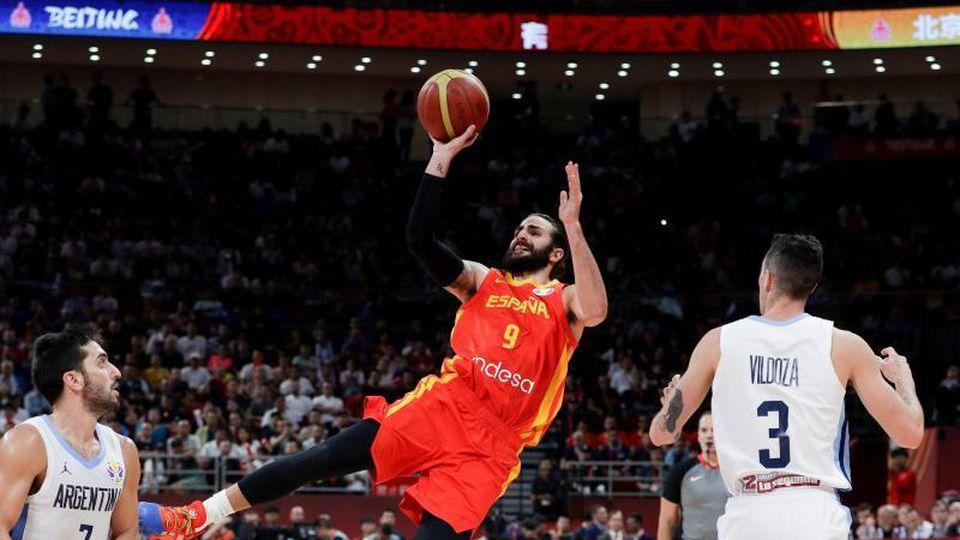 Bester Werfer im Finale der Basketball-WM: Spaniens Ricky Rubio (M) in Aktion. Foto: Mark Schiefelbein/AP