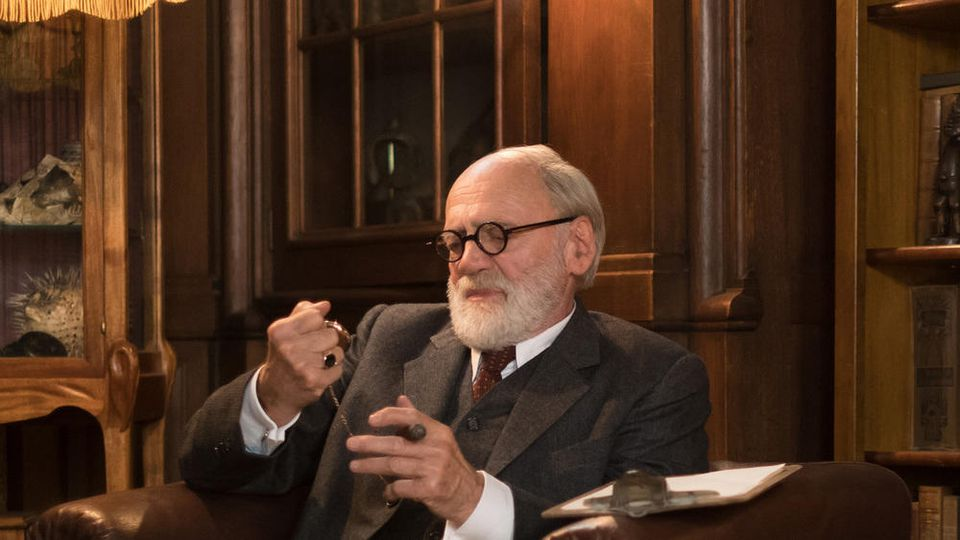 """Bruno Ganz als Sigmund Freud in """"Der Trafikant""""."""