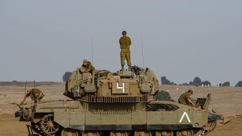 Israelische Soldaten kontrollierten die Golanhöhen. (Symbolbild). Foto: JINI/XinHua/dpa