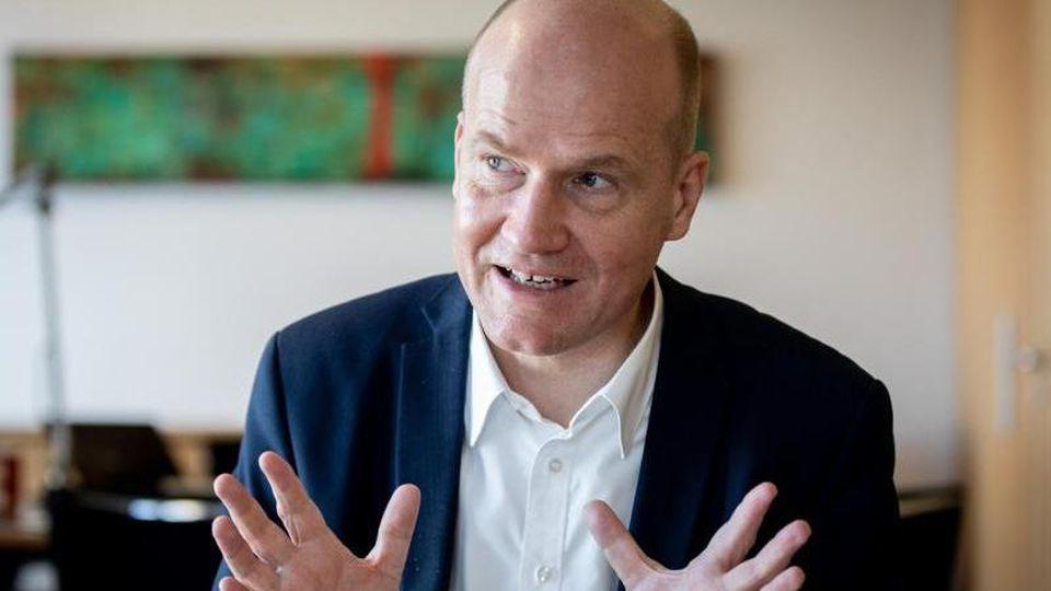 Unionsfraktionschef Ralph Brinkhaus pocht auf eine Bedürftigkeitsprüfung. Foto: Kay Nietfeld