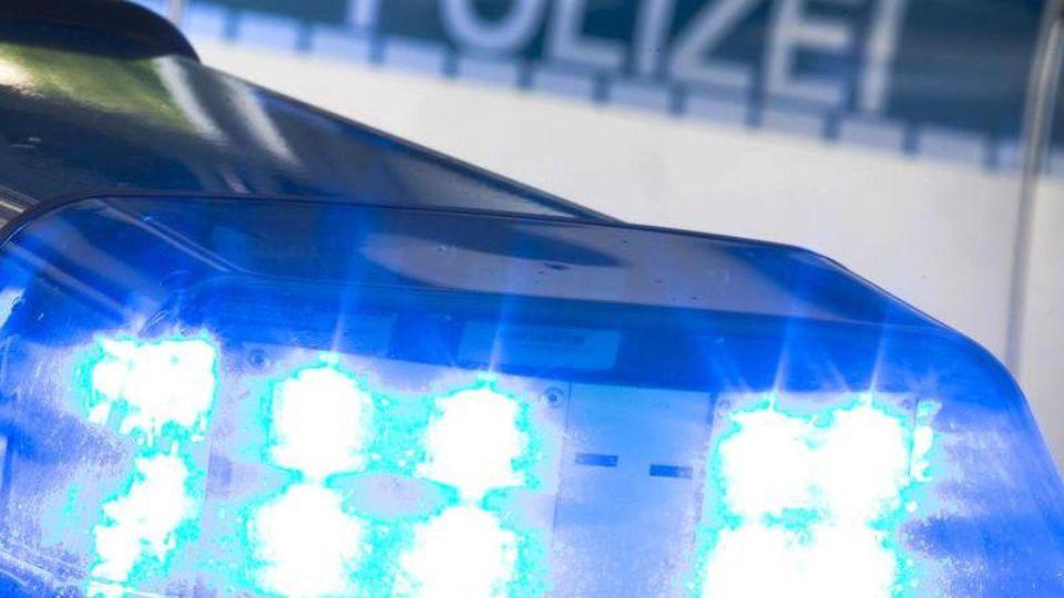 Polizeieinsatz in Arhaus. Foto: Friso Gentsch/Archivbild