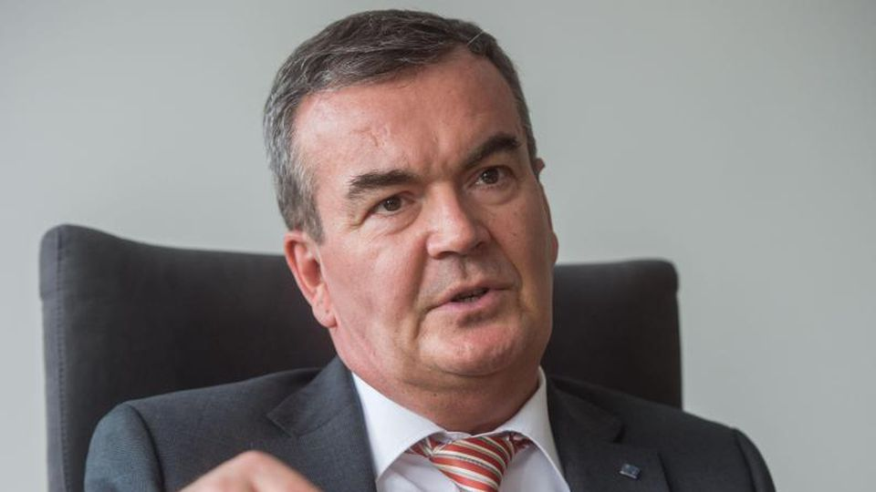 Der Vorsitzende des DEHOGA Baden-Württemberg, Fritz Engelhardt. Foto: Lino Mirgeler/dpa/Archivbild