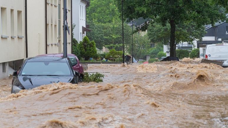 Hochwasser in der Lenne: Im Bild der überschwemmte Wildwasserpark Hagen-Hohenlimburg.