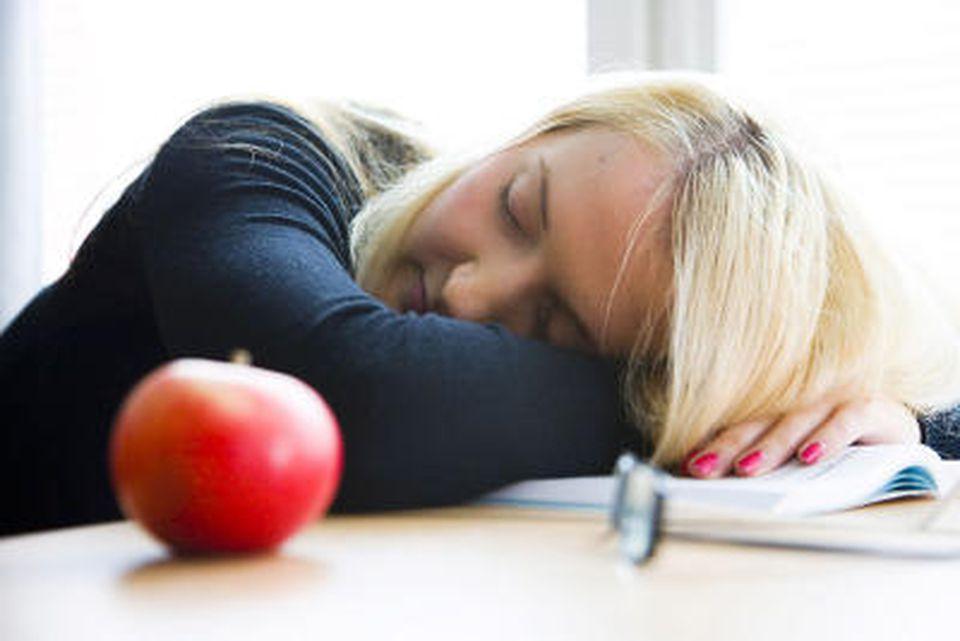 Erschöpfung, Abgeschlagenheit & Co.: Symptome richtig deuten