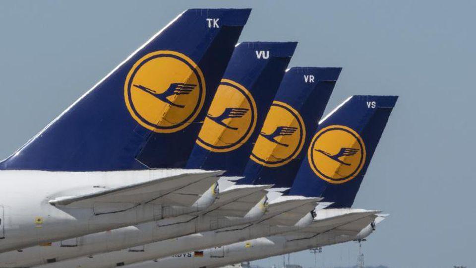 Lufthansa-Flugzeuge. Foto: Boris Roessler/dpa/Archiv