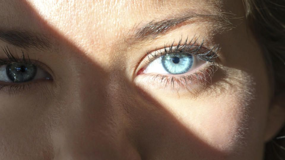 UV-Strahlung schädigt Netzhaut: Vorsicht vor Sonnenbrand am Auge