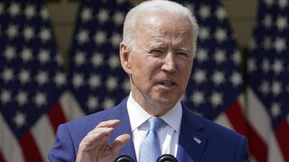"""""""Friedlicher Protest ist verständlich"""", sagt Biden im Weißen Haus. Für Gewalt gebe es aber """"absolut keine Rechtfertigung"""". Foto: Andrew Harnik/AP/dpa"""