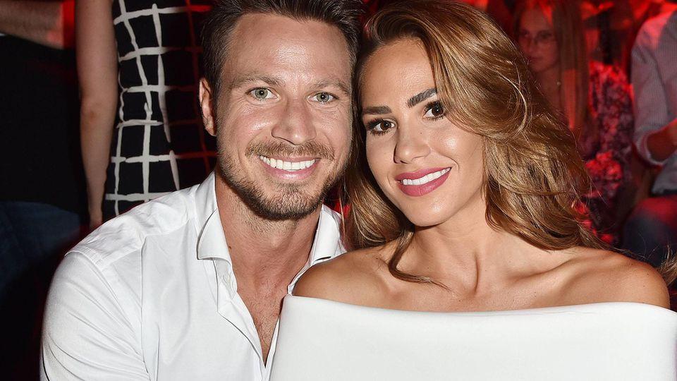 Sebastian Pannek und Angelina erwarten ihr erstes gemeinsames Kind.