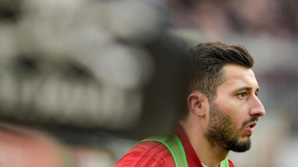 Der Fußballspieler Cenk Sahin. Foto: Axel Heimken/dpa/Archivbild
