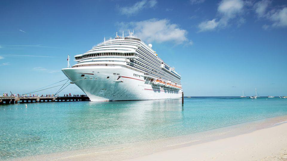 Eine Kreuzfahrt ist der Traum vieler Urlauber - aber Vorsicht, es drohen unerwartete Kosten!