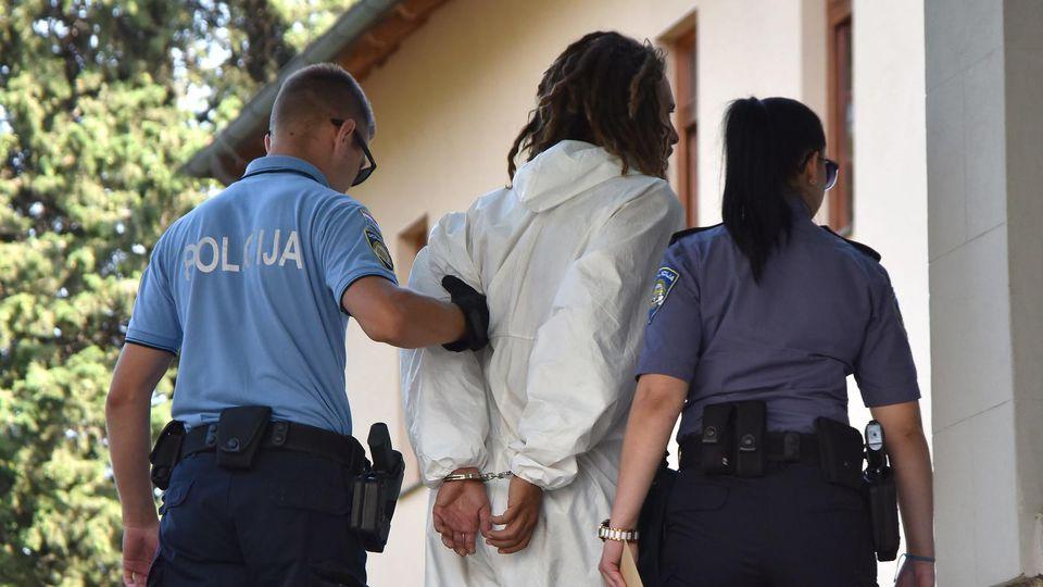 Der mutmaßliche Täter wurde noch in der Tatnacht festgenommen.