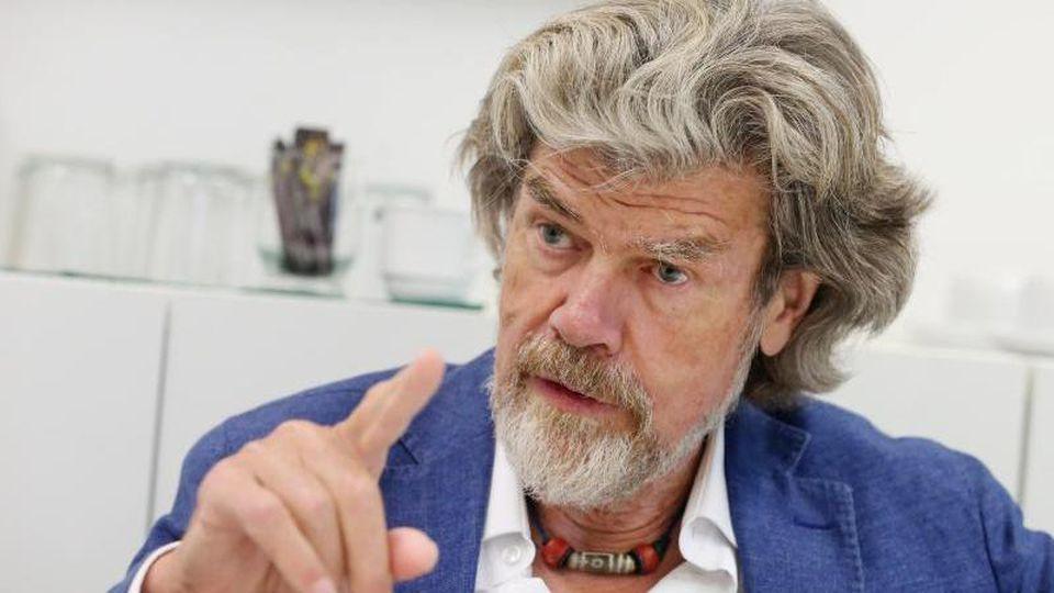 Reinhold Messner bei einem Termin. Foto: Roland Weihrauch/dpa/Archivbild