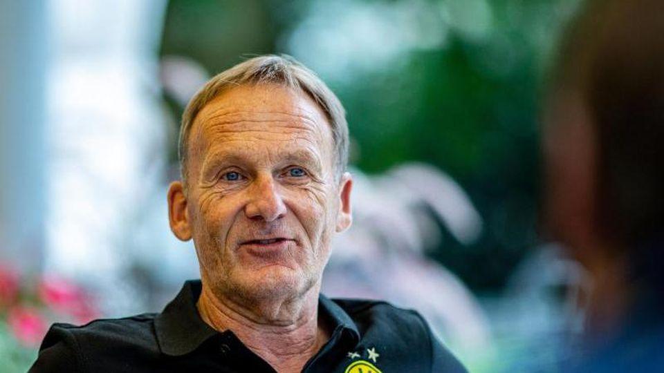 Geht fest vom Sancho-Verbleib in Dortmund aus: BVB-Boss Hans-Joachim Watzke:. Foto: David Inderlied/dpa
