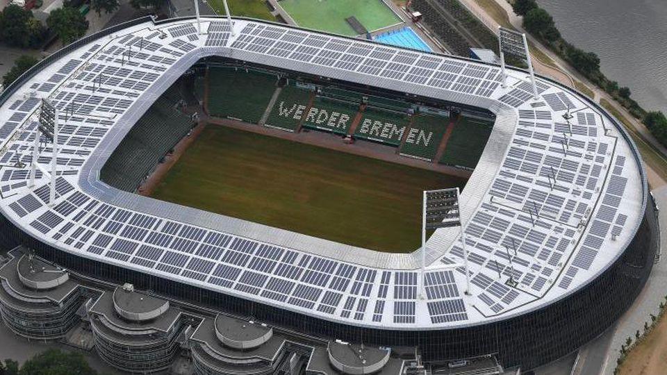 Die Luftaufnahme zeigt das Weserstadion. Foto: Carmen Jaspersen/dpa/Archivbild