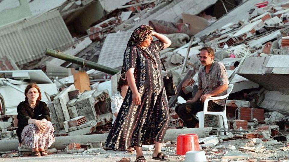 Verletzte, keine Toten: Erdbeben der Stärke 6 erschüttert Südwest-Türkei - Panorama - Gesellschaft