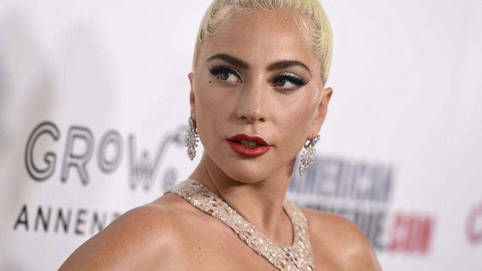 Lady Gaga zeigt Unterstützung für ihren Hundesitter