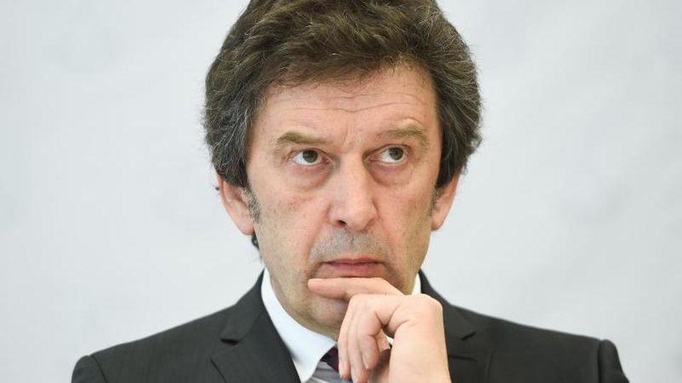 Johannes Kunz, Leiter des Landeskriminalamtes Rheinland-Pfalz, auf einer Pressekonferenz. Foto: picture alliance / Arne Dedert/dpa