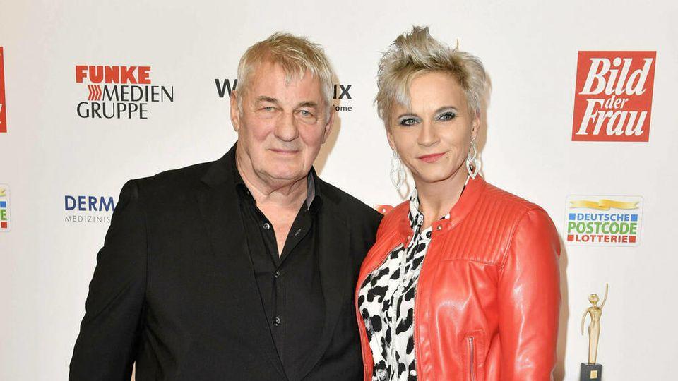 Heinz Hoenig und seine Ehefrau Annika Kärsten-Hoenig 2019 im Stage Operettenhaus in Hamburg