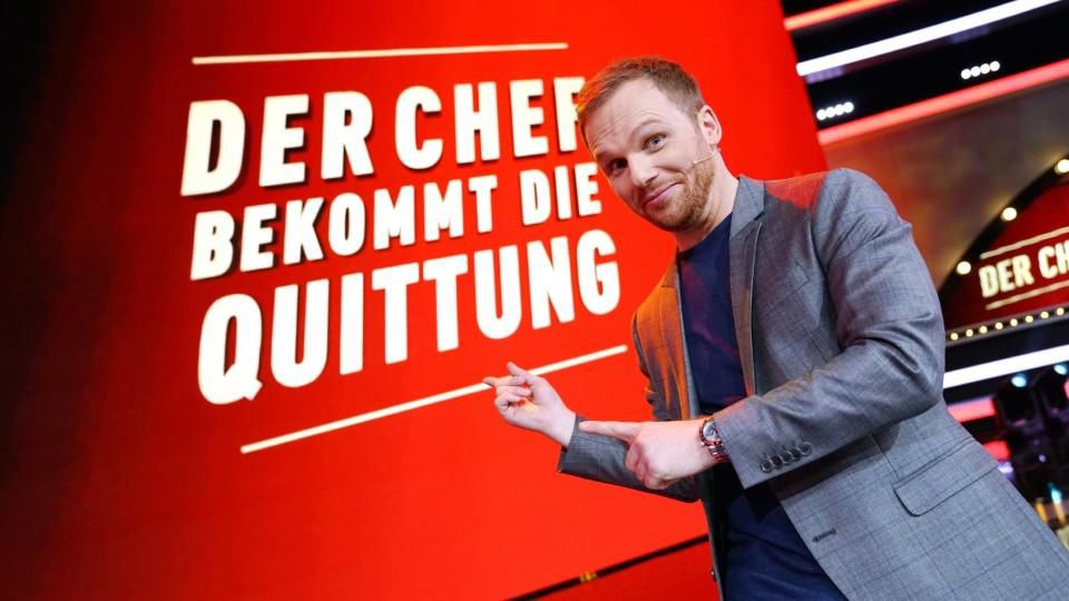 """Ralf Schmitz moderiert die neue Show """"Der Chef bekommt die Quittung""""."""