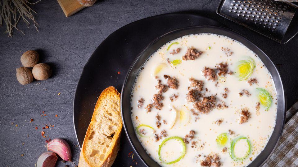 """Käse-Lauch-Suppe mit Hack aus """"What the Hack"""" - die geht immer"""