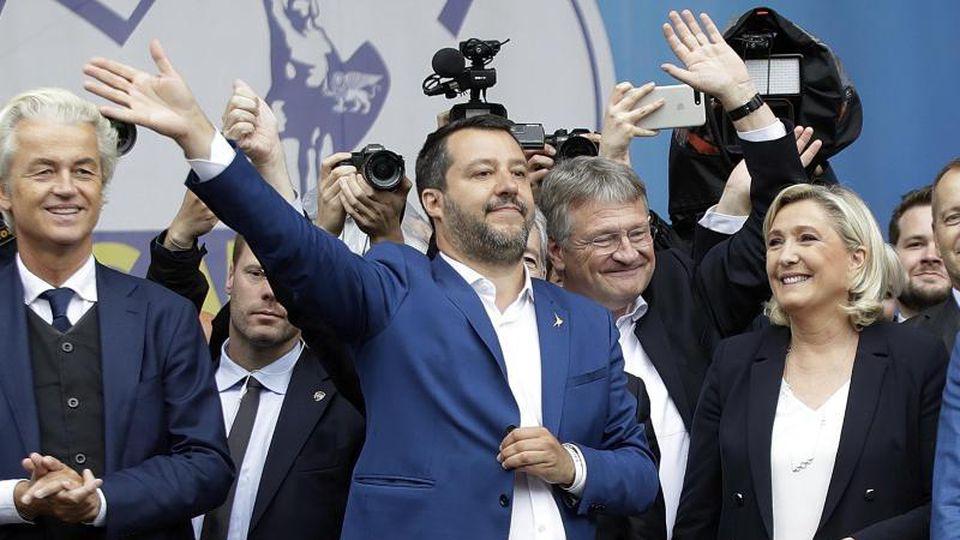 Kundgebung der Allianz nationalistischer Parteien Europas. Foto: Luca Bruno/AP/dpa