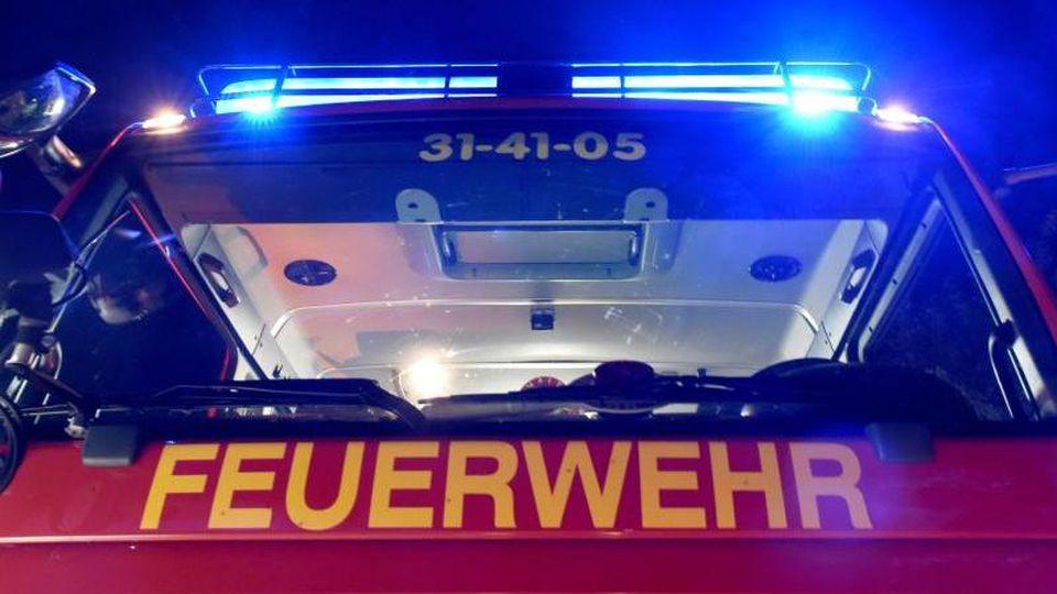 Ein Löschfahrzeug der Feuerwehr. Foto: Carsten Rehder/Archiv