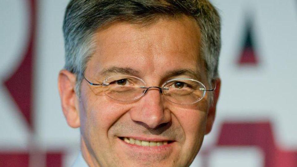 Der Präsident des FC Bayern München, Herbert Hainer. Foto: Daniel Karmann/dpa/Archivbild