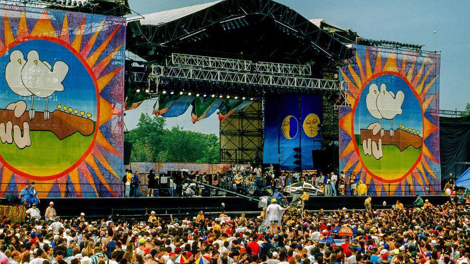 Jahre Woodstock: Festival zwei Wochen vor Beginn abgesagt