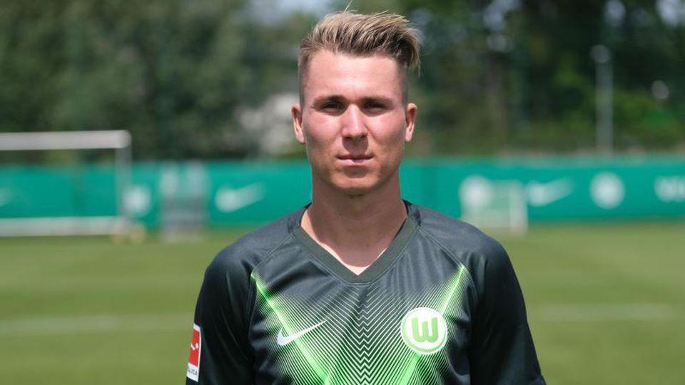 Mittelfeldspieler Felix Klaus vom VfL Wolfsburg. Foto: Peter Steffen/dpa/Archivbild