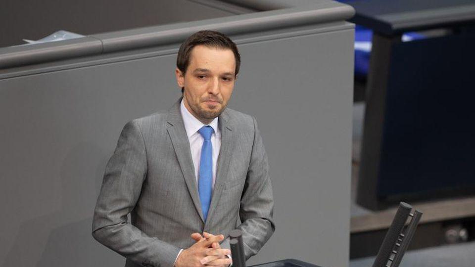 Benjamin Strasser (FDP) spricht in der Plenarsitzung im Deutschen Bundestag. Foto: Christophe Gateau/dpa