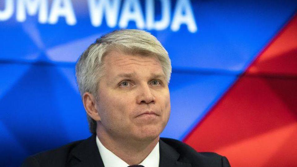 Skeptischer Blick: Russlands Sportminister Pawel Kolobkow nach dem Wada-Urteil. Foto: Pavel Golovkin/AP/dpa