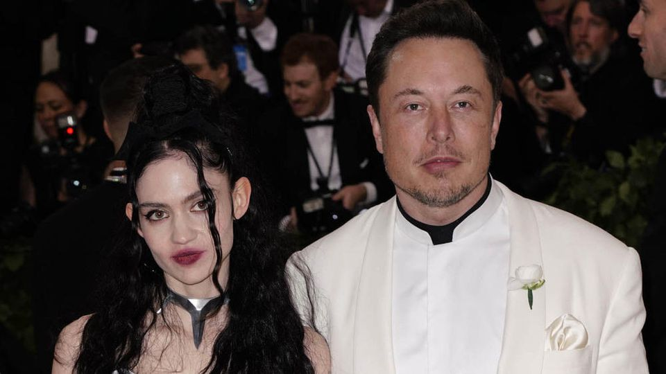 Sängerin Grimes und Elon Musk haben einen Sohn zusammen.