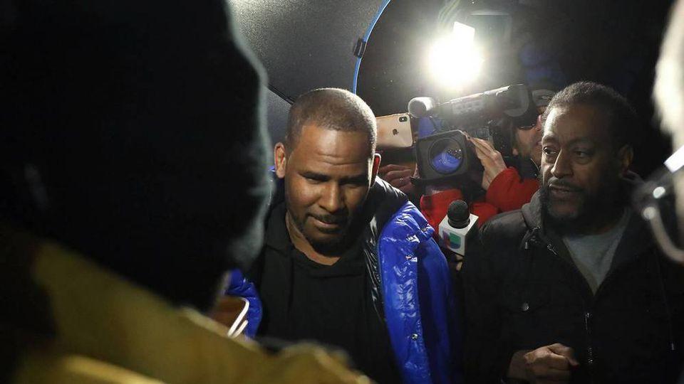 R. Kelly hat sich in Chicago der Polizei gestellt